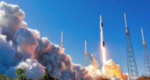 SpaceX nails first Falcon 9 booster launch debut in months [photos]