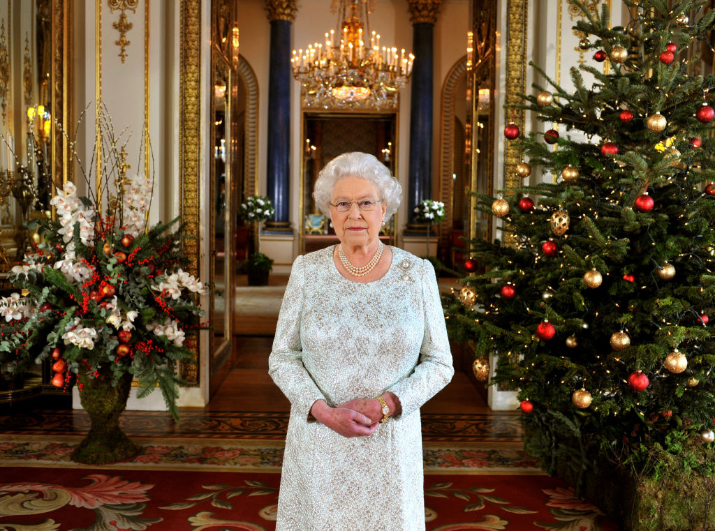 Queen Elizabeth Can't Imagine What to Say In Her 2019 Christmas Speech After This Nightmare Year