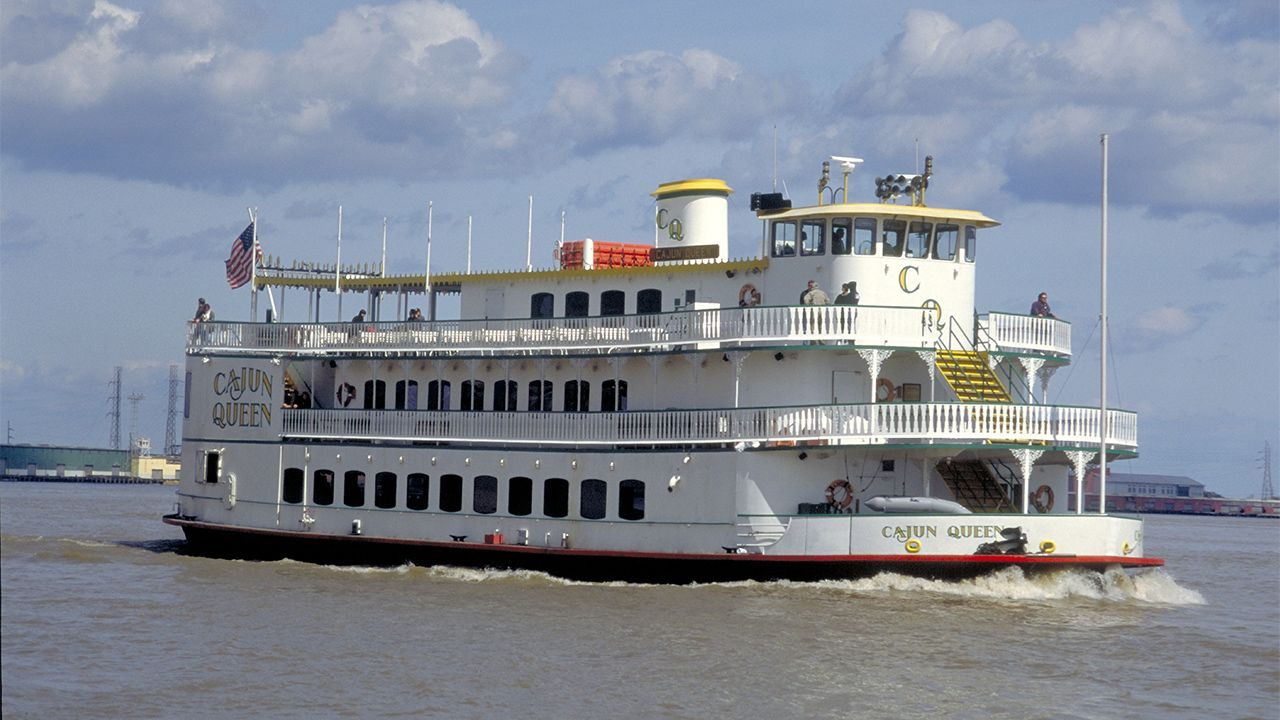 Louisiana riverboat casinos could run ashore after new law approved