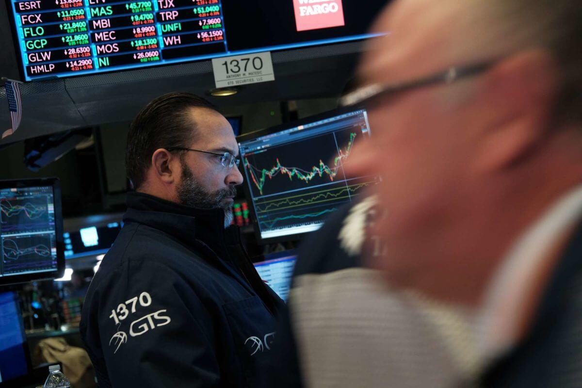 Dow Dives 183 Points as Billionaires Fear the Rise of Bernie Sanders