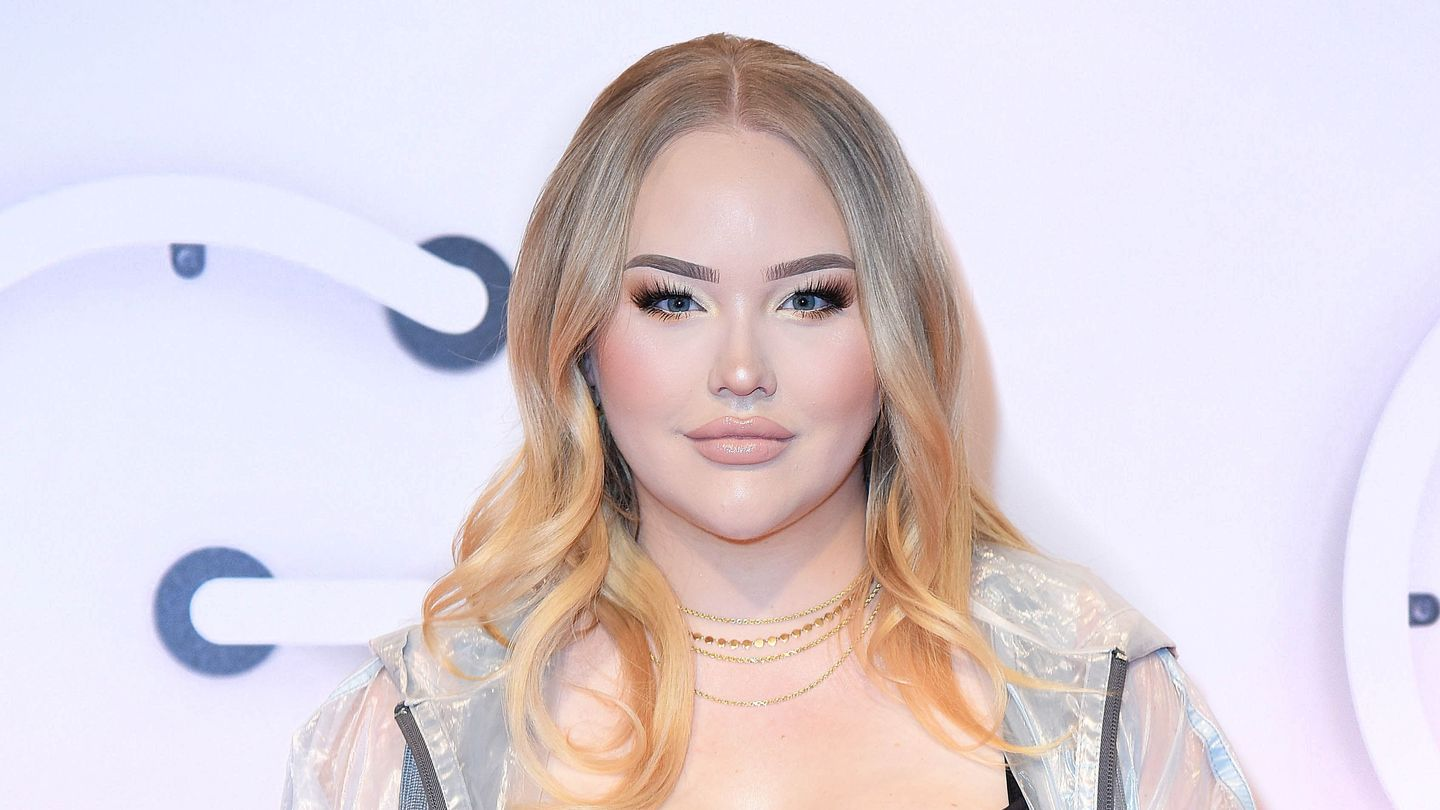 Beauty YouTuber NikkieTutorials Came Out As Transgender — But Not On Her Own Terms