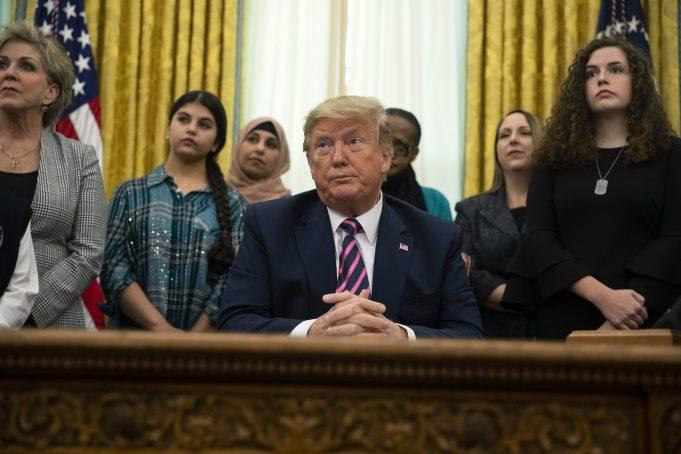 Trump boosts school prayer, faith groups as he rallies base