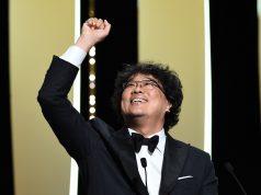 'Parasite' scores upset at SAG awards, boosting Oscar chances