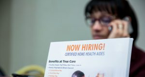 US weekly jobless claims increase less than expected