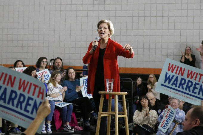 Elizabeth Warren seeks spark in final sprint to Iowa