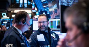 US futures point to higher open on Wall Street