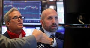 Dow Rallies on Fed Liquidity as Bulls Ignore 'FOMO Bubble' Warnings