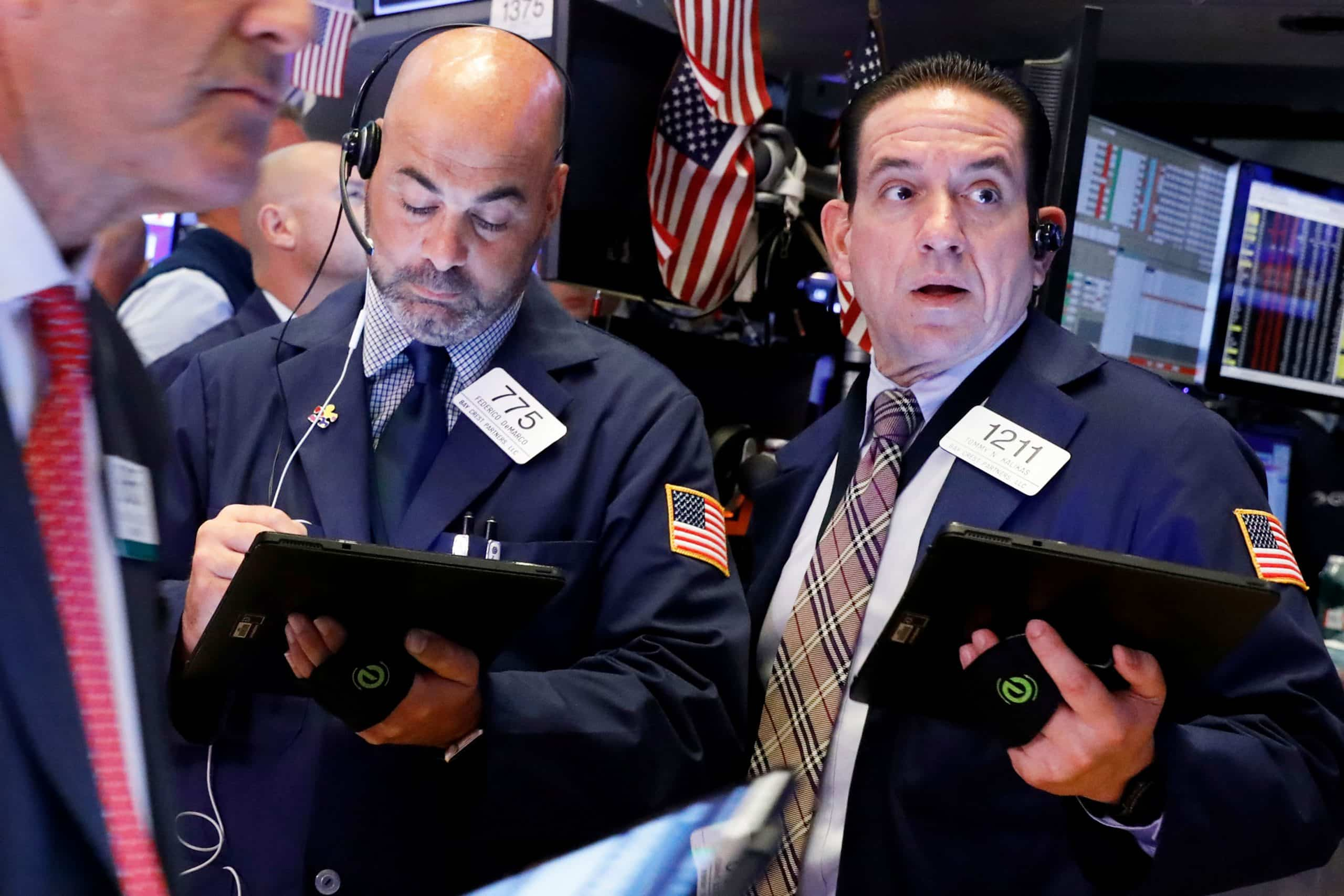 stock market live updates  dow futures drop 200  all eyes