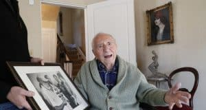 Writer AE Hotchner, friend to Hemingway, Newman, dead at 102