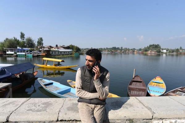 Indian police open case against hundreds in Kashmir for using VPN