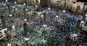 Saudi Arabia temporarily bars entry for pilgrims as coronavirus fears escalate
