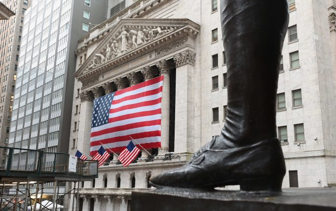 Stock market live updates: Dow's worst first quarter ever, S&P 500's worst month since '08
