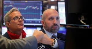 5 Indicators to Watch When Timing the Bottom of the Stock Market Crash
