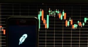4 Popular Robinhood Stocks to Time the Bottom of the Stock Market Crash