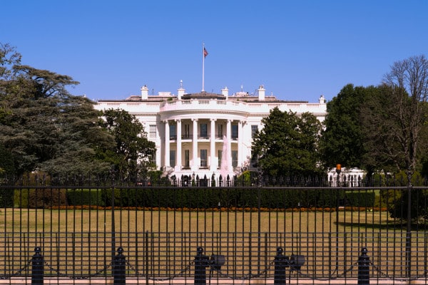 White House reportedly in talks with Intel, TSMC to build advanced chip foundries in the U.S.